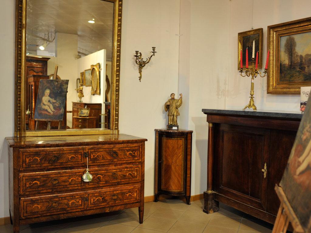 Esposizione mobili antichi mobili duchi - Mobili esposizione ...