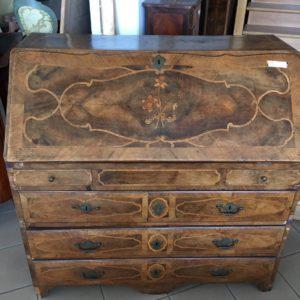 Esposizione e vendita ribalte del 700 mobili duchi for Mobili antichi 1700