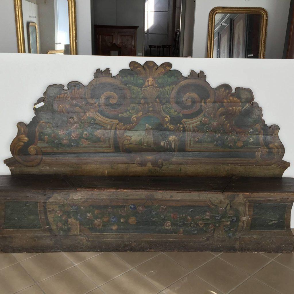 Mobili duchi panca epoca 1700 laccata e dipinta italia for Mobili antichi 1700