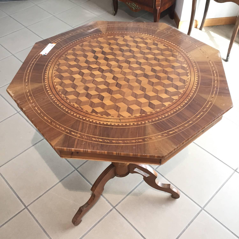 Mobili duchi esposizione e vendita tavoli antichi mobili for Mobili antichi 1800