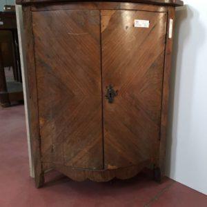 Esposizione e vendita angoliere del 800 mobili duchi for Mobili antichi 1800