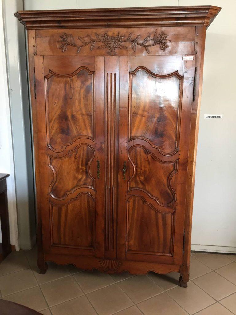Armadio noce 1700 francia mobili duchi for Mobili antichi 1800