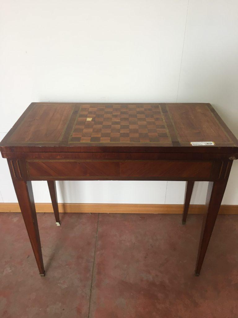 foto-Tavolino da gioco Napoleone III, essenze varie, intarsi.